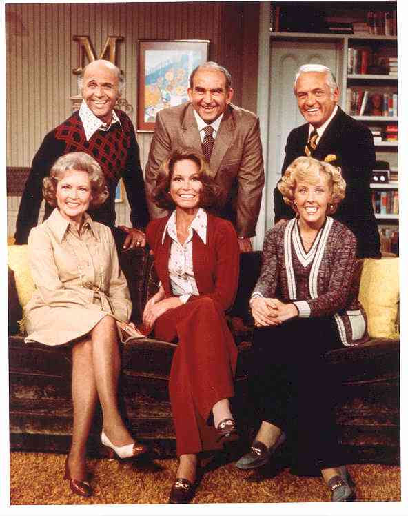 The Mary Tyler Moore Show-Cast (2).jpg