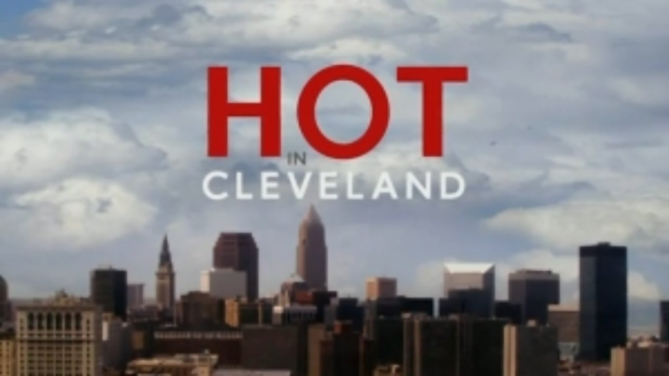 Hot in Cleveland-logo.jpg