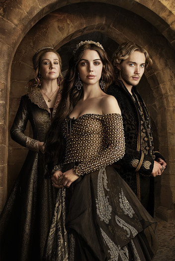 Reign-season-2-cast-photo.jpg
